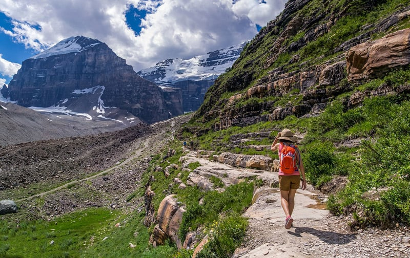 Along the trail to the Plain of Six Glaciers