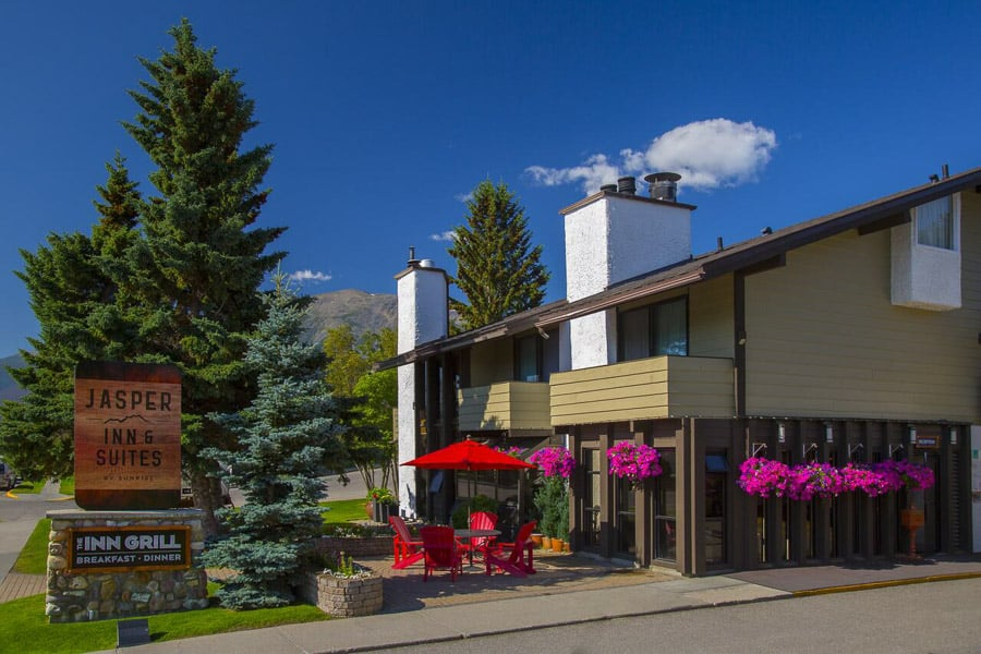 Accommodations in Jasper Inn and Suites