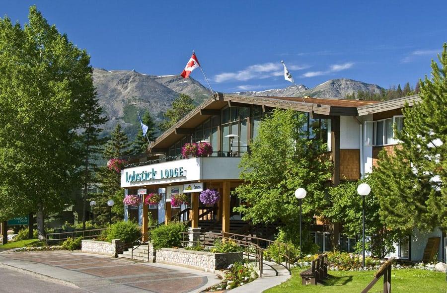Lobstick Lodge accommodations in Jasper