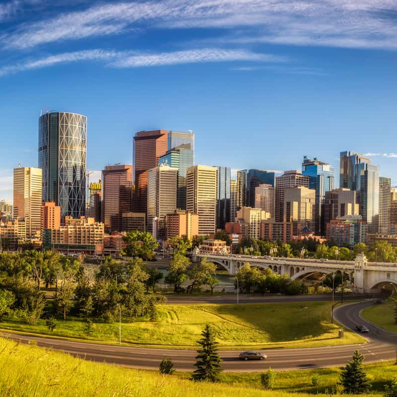Complete Guide to Getting From Calgary to Edmonton 2020