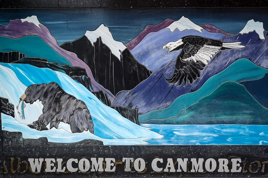 Welcome to Canmore sign
