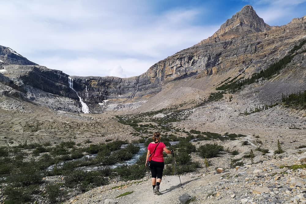 Easy hike to Bow Glacier Falls