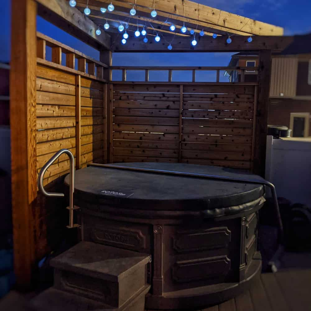 Airbnb with hot-tub