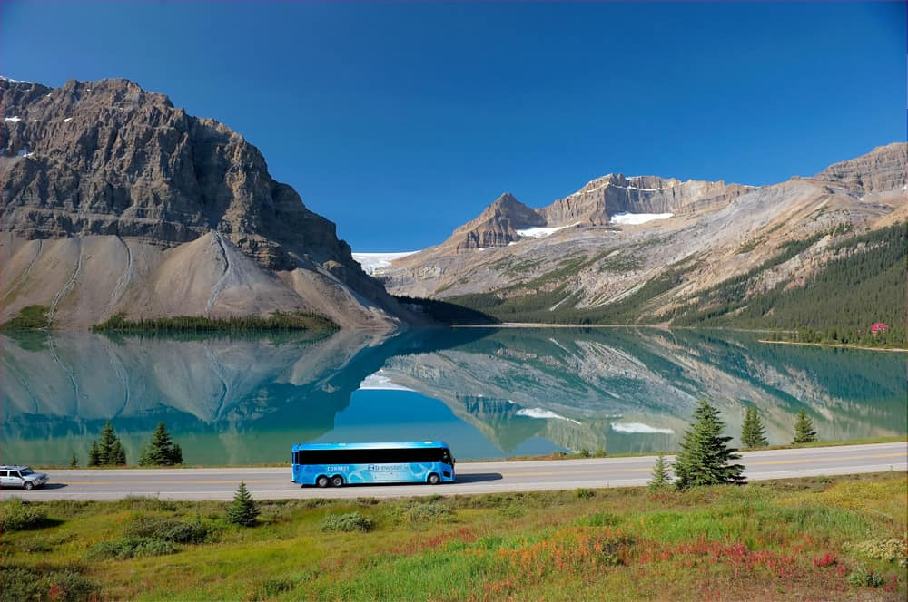 Brewster Bus on the Icefields Parkway