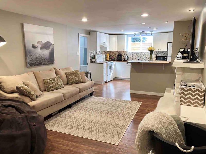 Open Concept Guest Suite Airbnb in Lethbridge