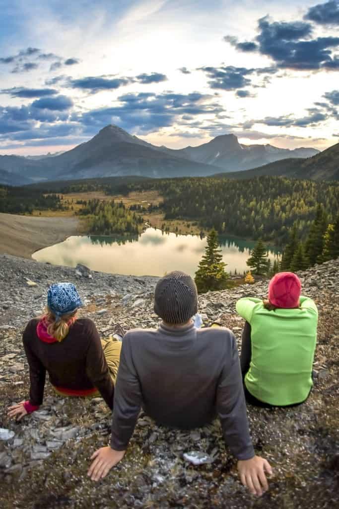 Hikers take a break at Galatea Lakes