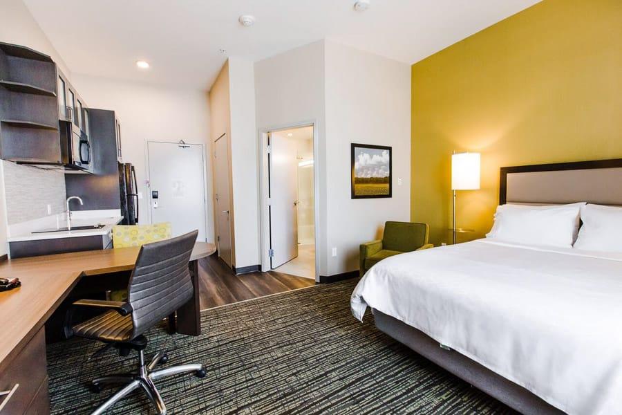 Candlewood Suites Hotel West Edmonton