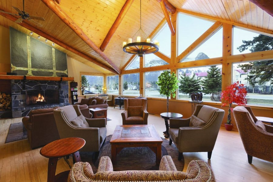 The lounge at Canmore Rocky Mountain Inn