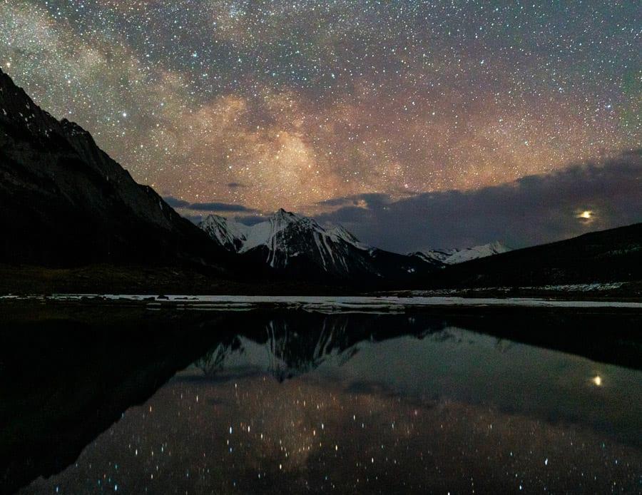 Seeing stars in Jasper National Park's Dark Sky Preserve